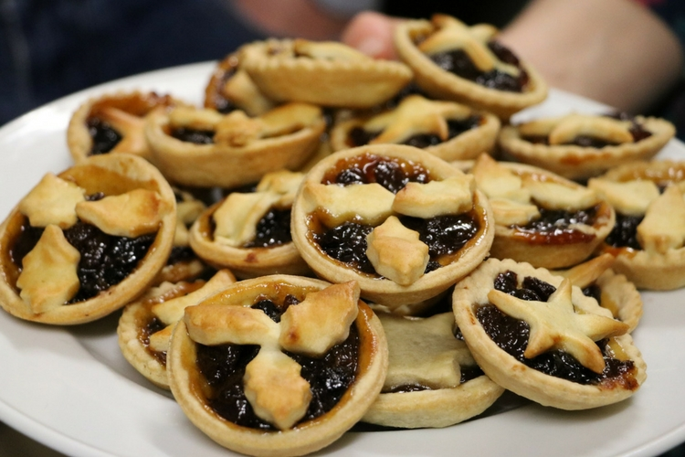 Mince pies image | Firstline IT Oxford