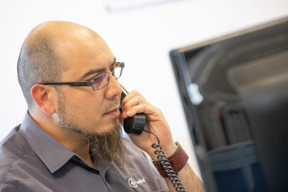 Image of IT Support Help Desk supporting with IT issues. First Line IT Oxford IT Services.